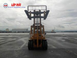 Xe nâng cũ động cơ dầu KOMATSU 06 tấn FD60-2 # 10105 giá rẻ