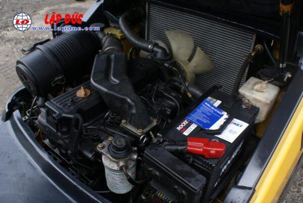 Xe nâng KOMATSU máy dầu 2 tấn FD20T-17 giá rẻ