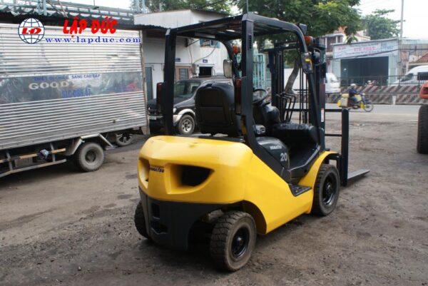 Xe nâng máy dầu cũ KOMATSU 2 tấn FD20T-17 giá rẻ