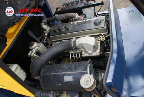 Xe nâng KOMATSU 2 tấn động cơ dầu FD20-11 # 461369 giá rẻ