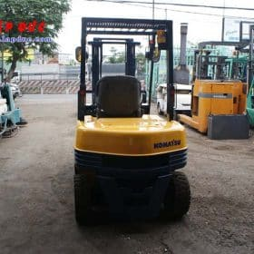 Xe nâng dầu 2 tấn KOMATSU FD20-11 # 461369 giá rẻ