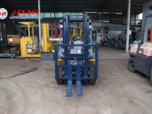 Xe nâng động cơ dầu 2 tấn KOMATSU FD20-11 # 461369 giá rẻ