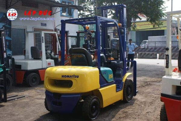 KOMATSU 2.5 ton Diesel Forklift Model FD25C-12 # 532585 1