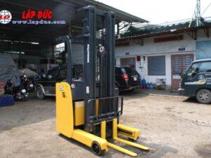 Xe nâng điện KOMATSU 1.5 tấn đứng lái FB15RL# 14 -146097 giá rẻ