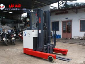 Xe nâng điện NICHIYU đứng lái 2.5 tấn FBR25-75-500 # 3062 giá rẻ