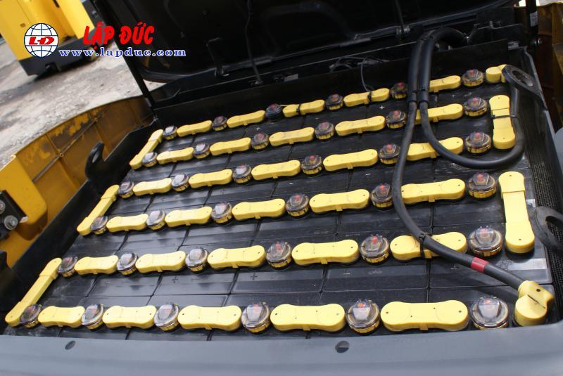 Xe nâng điện cũ KOMATSU 2.5 tấn ngồi lái FB25-12 # 100193