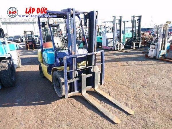 Xe nâng dầu cũ KOMATSU 2.5 tấn FD25C-12 # 515601 giá rẻ