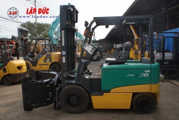 Xe nâng điện ngồi lái KOMATSU 3.0 tấn FB30-11