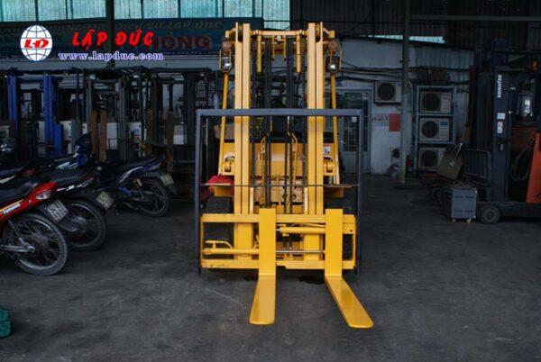 Xe Nâng Dầu 2.5 tấn KOMATSU FD20-10 # 233741