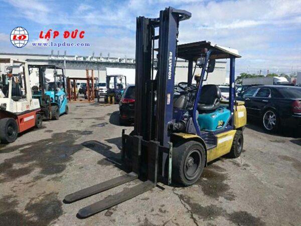 Xe nâng dầu cũ 3 tấn KOMATSU FD30C-14 # 560485 giá rẻ