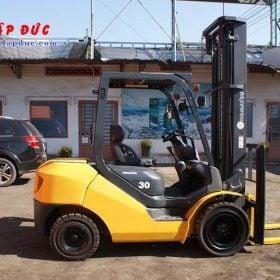 Xe nâng dầu cũ KOMATSU 3 tấn FD30C-17 # 322470 giá rẻ