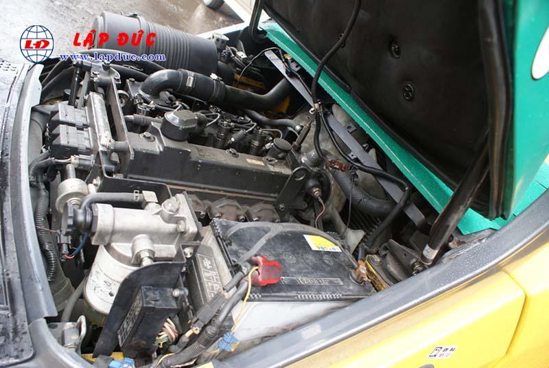 Xe nâng 4.5 tấn máy dầu KOMATSU FD45T-10 # 135323 giá rẻ