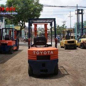 Xe nâng dầu 1.5 tấn TOYOTA 5FDL15 # 10332 giá rẻ