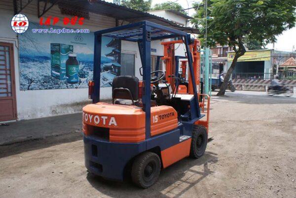Xe nâng dầu TOYOTA 1.5 tấn 5FDL15 # 10332 giá rẻ