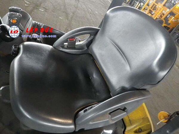 Xe nâng điện ngồi lái 1.5 tấn KOMATSU FB15-12 1