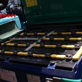 Xe nâng điện KOMATSU 2.5 tấn ngồi lái FB25EX-11 giá rẻ