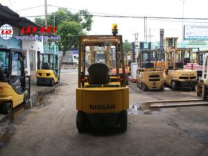 Xe nâng điện ngồi lái 2 tấn NISSAN QP02-003868 giá rẻ