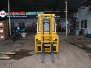 Xe nâng điện ngồi lái NISSAN 2 tấn QP02-003868 giá rẻ