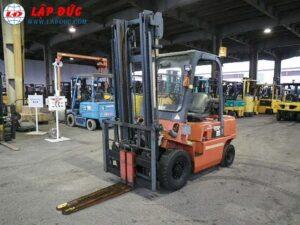 Xe nâng máy xăng - gas NISSAN 2 tấn PJ02 giá rẻ