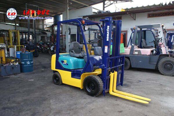Xe nâng xăng cũ KOMATSU 1.5 tấn FG15C-16 # 627135 giá rẻ