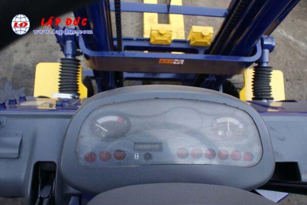 Xe nâng KOMATSU máy xăng 1.5 tấn FG15C-16 # 627135 giá rẻ