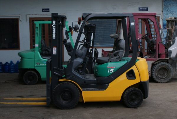 Xe nâng xăng 1.5 tấn KOMATSU FG15LC-20