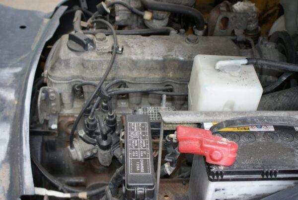 Xe nâng KOMATSU máy xăng 1.5 tấn FG15LC-20 # 653597 giá rẻ
