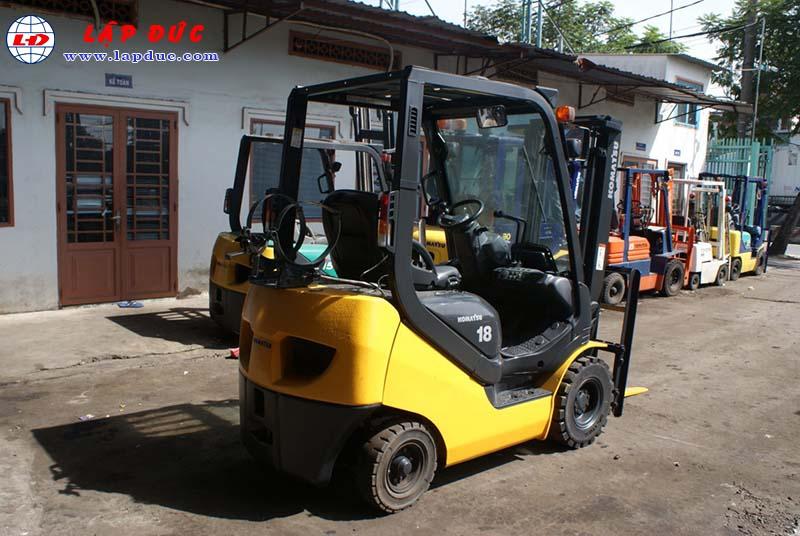 Xe nâng xăng 1.8 tấn KOMATSU FG18T-20 # 672555 giá rẻ