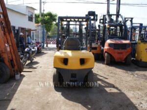 Xe nâng xăng KOMATSU 2 tấn FG20-15 # 581367 giá rẻ
