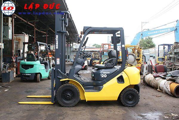 Xe nâng xăng cũ KOMATSU 2 tấn FG20T-17 giá rẻ