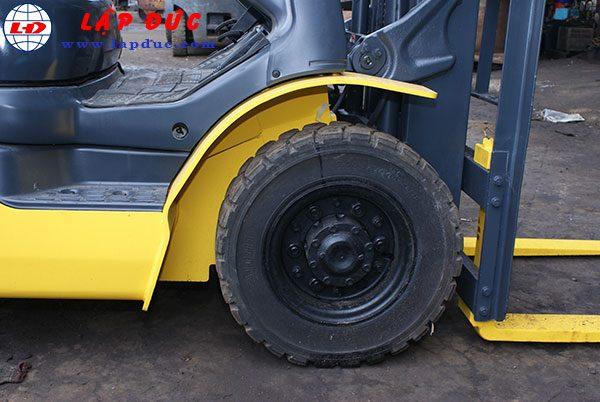 Xe nâng xăng 2 tấn KOMATSU FG20T-17