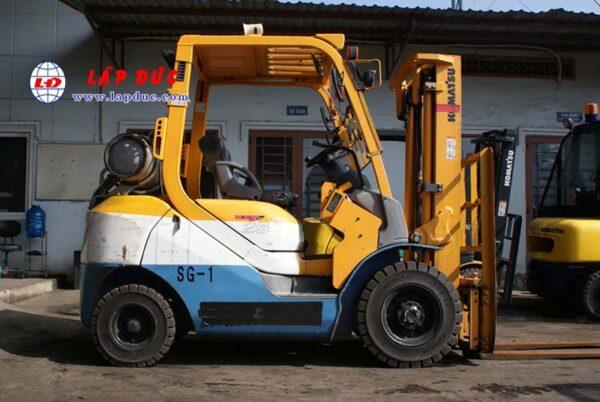 Xe nâng xăng cũ 2.5 tấn KOMATSU FG25T-17 # 714207 giá rẻ