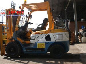 Xe nâng xăng cũ KOMATSU 2.5 tấn FG25T-17 # 714207 giá rẻ