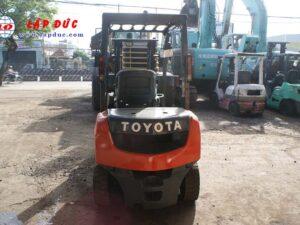 Xe nâng xăng 2 tấn TOYOTA 8FGL20 # 33536 giá rẻ