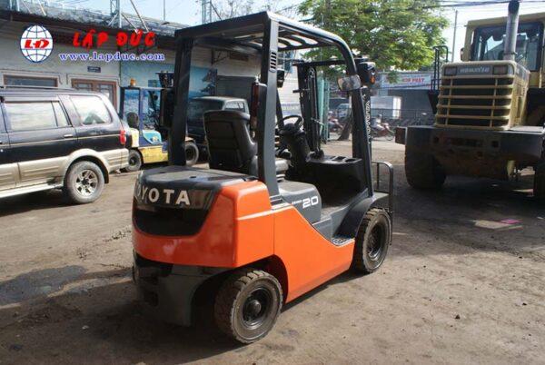 Xe nâng xăng TOYOTA 2 tấn 8FGL20 # 33536 giá rẻ