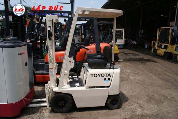 Xe nâng xăng cũ TOYOTA 0.5 tấn FG5 giá rẻ