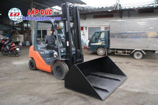 xe nâng dầu 2 tấn KOMATSU FD20 # 12448