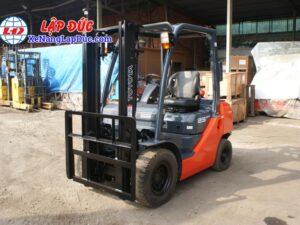 xe nâng dầu diesel 2.5 tấn TOYOTA 02-8FDL25