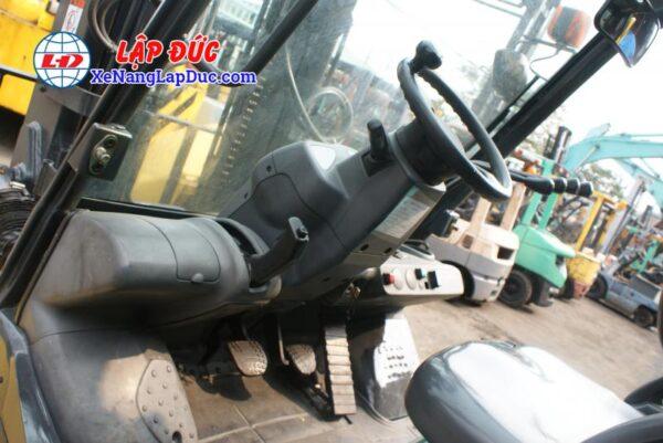 Xe nâng KOMATSU máy dầu 4 tấn FD40T-10 -135696 giá rẻ