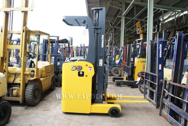 Xe nâng điện đứng lái 0.9 tấn KOMATSU FB09RS-14