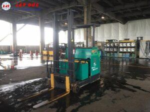 Xe nâng điện đứng lái cũ 2 tấn KOMATSU FB20RN-4
