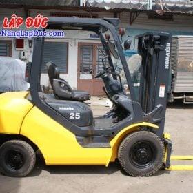 Xe nâng máy dầu cũ KOMATSU 2.5 tấn FD25T-17 giá rẻ