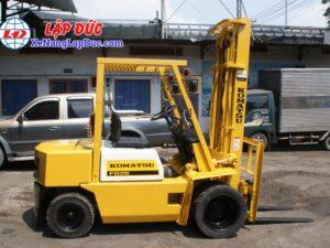Xe nâng máy dầu cũ KOMATSU 2.5 tấn FD25L-8 # 160080 giá rẻ
