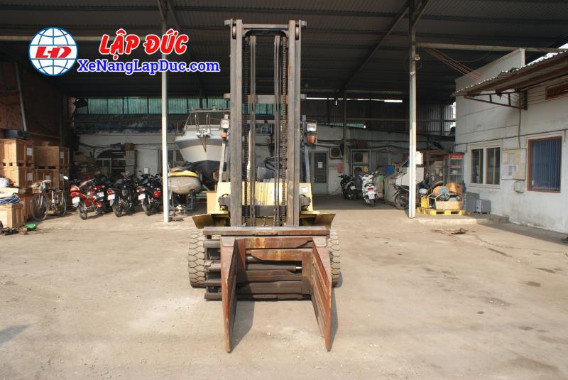 Xe nâng TCM máy dầu 4 tấn FD40Z6 # 59606364 giá rẻ