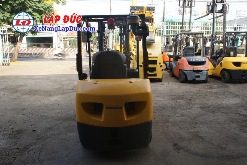 Xe nâng dầu cũ KOMATSU 3 tấn FD30NT-16 giá rẻ