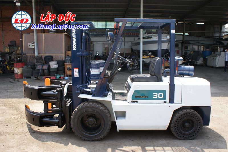 Xe nâng máy dầu cũ KOMATSU 3 tấn FD30-10 #23197 giá rẻ