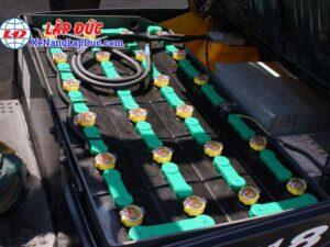 Xe nâng điện ngồi lái KOMATSU 1.8 tấn FB18-12 2