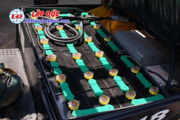 Xe nâng điện ngồi lái KOMATSU 1.8 tấn FB18-12 1