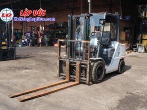 Xe Nâng Dầu 3 tấn UNICARRIERS FD30T5 # 00186 19