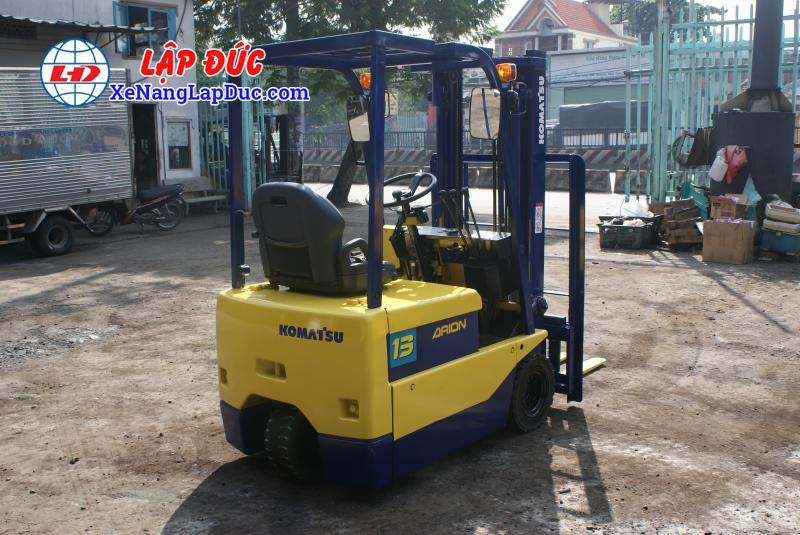 Xe nâng điện 1.5 tấn - 2.5 tấn cũ hiệu KOMATSU 25